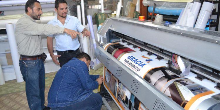 Jóvenes gestores de innovación apoyan a emprendedores de la región de Tarapacá